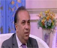مصمم الأزياء بهيج حسين يبكي على الهواء بسبب «رجاء الجداوي» .. فيديو