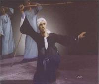 شاهد..  محمود رضا يقدم رقصته الاخيرة مع شباب فرقته