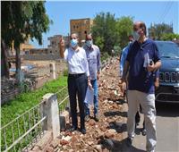 محافظ الغربية يتابع أعمال الرصف الجارية بمدينة قطور