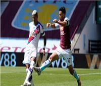 تريزيجيه ينجح في إحراز الهدف الثاني له ولأستون فيلا