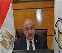 رئيس جامعة أسيوط يشيد بإجراءات الوقاية ومكافحة العدوى المتاحة للطلاب