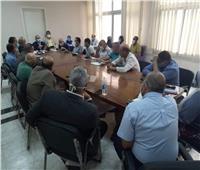 نائب محافظ القاهرة يجتمع برؤساء الأحياء لمناقشة إجراءات التصالح في مخلفات البناء