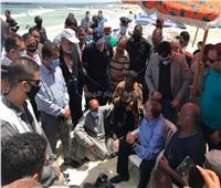 محافظ الإسكندرية يستجيب لأهل الغريق الأخير والمنقذون ينتشلون الجثمان