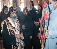 عشية عيد القديس الأنبا شنودة بديره في سوهاج وسط غياب شعبي