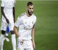 الشوط الأول| ريال مدريد يتفوق على غرناطة بهدفين نظيفين