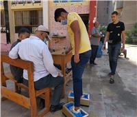 توافد طلاب الثانوية على مدارس القاهرة الجديدة لأداء امتحان «الأجنبية الثانية»