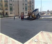 الإسكان: تنفيذ أعمال الطرق بعددٍ من مناطق الإسكان الاجتماعي بمدينة العاشر من رمضان