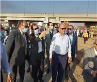 محافظ القاهرة يصل موقع انفجار خط الغاز بطريق مصر الإسماعيلية