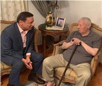 رئيس «الأعلى للإعلام» يكشف تفاصيل الحالة الصحية للكاتب مكرم محمد أحمد