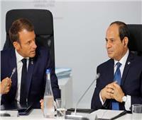 الرئيس السيسي يبحث هاتفياً مع نظيره الفرنسي تطورات الوضع في ليبيا