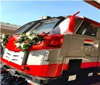 صور| تزينها الورود.. الجرارات الأمريكية الجديدة تستقر بمحطات قطارات القاهرة والإسكندرية
