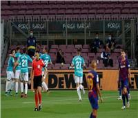 شاهد  أوساسونا يتقدم بهدف على برشلونة في الشوط الأول