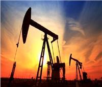 انخفاض سعر نفط خام القياسي العالمي بنسبة 0.99 %