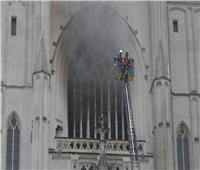 رجال الإطفاء يسيطرون على حريق كاتدرائية نانت غرب فرنسا
