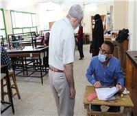 رئيس جامعة سوهاج يتفقذ أعمال الامتحانات ب 4 كليات
