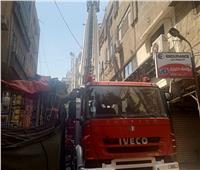 صور| شلل مروري بالتوفيقية والحماية المدينة تواصل السيطرة على الحريق