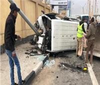 بالأسماء.. إصابة 10 أشخاص في انقلاب سيارة ميكروباص بقنا