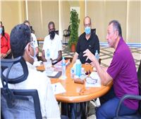 التفاصيل الكاملة لاجتماع الخطيب مع مدير النشاط الرياضي ورؤساء الأجهزة الفنية