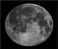 كيفية ظهور الفوهات على القمر.. علماء يجيبون