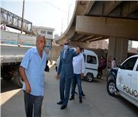 جولة مفاجئة لمحافظ القليوبية في مدينة بنها لتفقد قطاعات النظافة