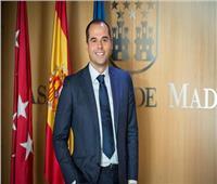 مدريد لا تستبعد إلزام المواطنين بالكمامة