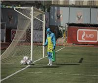 تواصل عمليات التعقيم بملعب التتش قبل مباراة الأهلي وسموحة