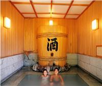 حكايات| بـ«الأونسن» والشاي الأخضر.. لماذا يستحم اليابانيون في المساء؟