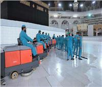 3500 عامل لتطهير المسجد الحرام وتعقيمه وتعطيره على مدار الـ ٢٤ ساعة