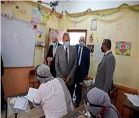 محافظ القليوبية يشدد على ضرورة إلتزام الطلاب بإرتداء الكمامة الواقية