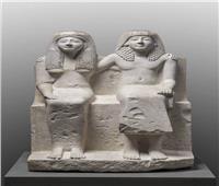 تعرف على قصة أصل الصورة .. «الكاتب بندوا» وزوجته «نفرتاري»
