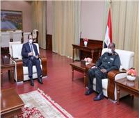 الوزير عباس كامل يلتقي رئيس مجلس السيادة السوداني في الخرطوم