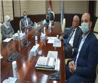 """وزير الإسكان يستعرض المخطط العام وتوزيع الأنشطة بـ """"سفنكس الجديدة"""""""