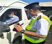 اتخاذ الإجراءات القانونية ضد 1661 سائق نقل جماعي لعدم ارتداء الكمامات