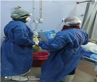 مستشفى قنا يوزع الحلوى على مرضى كورونا احتفالاً بعيد الأضحى