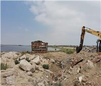 استمرار إزالة التعديات على الأراضي وبحيرة المنزلة والتفتيش على مصانع الأعلاف.. صور