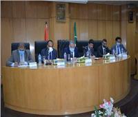 """محافظ المنيا يتابع الموقف التنفيذي لمشروعات مبادرة """"حياة كريمة"""""""