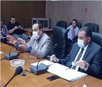 توفير مقاعد لكبار السن أمام اللجان الانتخابية لمجلس الشيوخ في سيناء