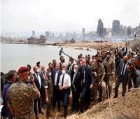 بالصور والفيديو| الرئيس الفرنسي يزور ميناء بيروت المُدمر