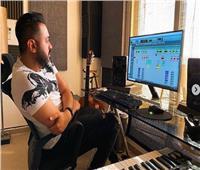 شاهد| حاتم فهمي في كواليس تسجيل ألبومه الجديد