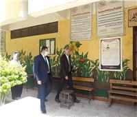 نائب محافظ القاهرة يتفقد المقرات الانتخابية بروض الفرض استعدادا لانتخابات الشيوخ