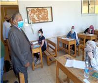 """مدير تعليم الإسماعيلية يتفقد امتحانات الصف الثالث الإعدادي """"أبناؤنا في الخارج"""""""