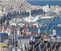 نفى وزير النقل الجزائري وجود سلع خطيرة أو مواد متفجرة بالموانئ