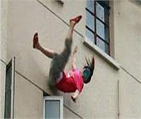 مصرع طالبة بتجارة دمنهور.. اختل توازنها وسقطت من بلكونة منزلها