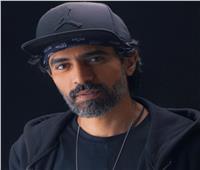 محمد علاء يتزوج من كندة علوش في حكاية «ضي القمر»