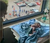 بالفيديو| سيدة تضع مولودها لحظة انفجار مرفأ بيروت