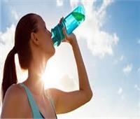 استشاري تغذية يحذر مرضى السكر من هذه العادات الخطيرة في الطقس الحار