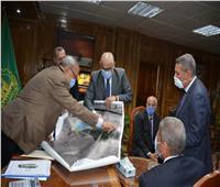 محافظ القليوبية يعقد اجتماعا تنسيقيا لمتابعة أعمال تطوير طريق شركات البترول