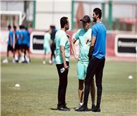 فايلر يعقد جلسة خاصة مع الحارس محمد الشناي