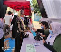 بالفيديو .. تعقيم الناخبين قبل دخول اللجان في شبرا للإدلاء بأصواتهم