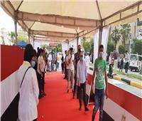 صور| زحام الناخبين للإدلاء بأصواتهم في انتخابات مجلس الشيوخ بالقاهرة الجديدة